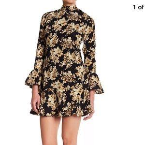Romeo & Juliet Couture Mock Neck dress size Medium